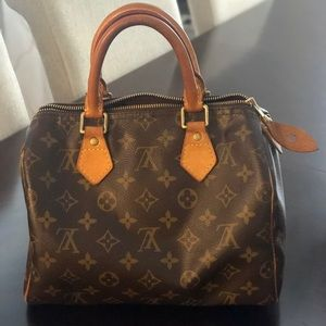 Louis Vuitton Speedy 25 Monogram